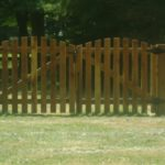 Roll Top Picket Double Drive Gate with KY Board Fence
