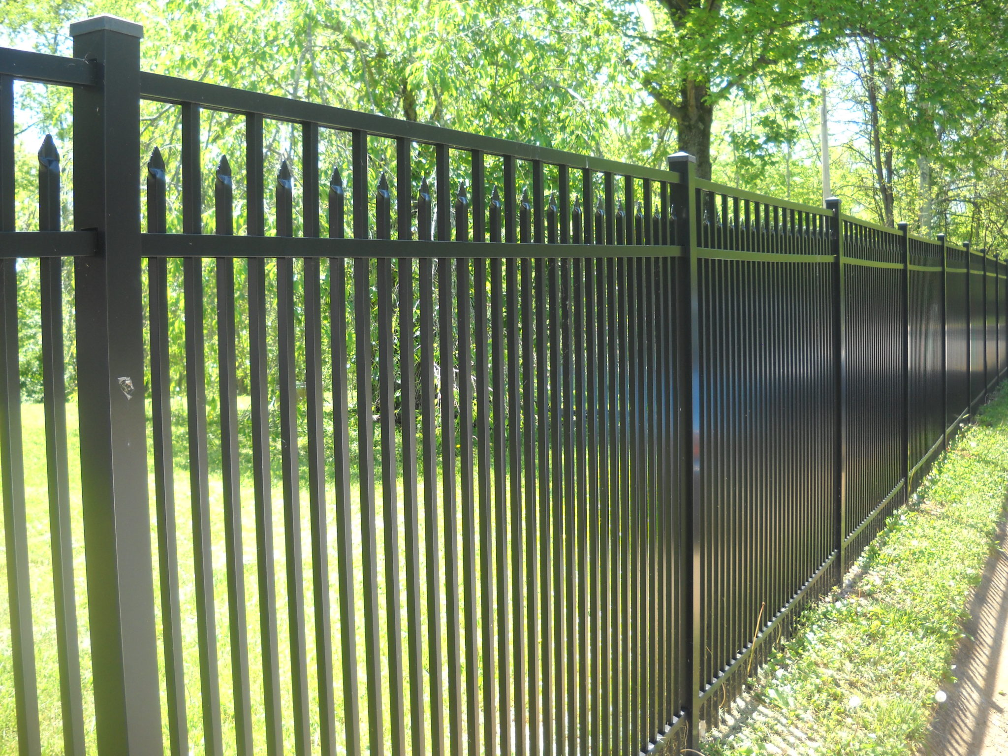5 Signs It S Time To Invest In A Backyard Fence Mills